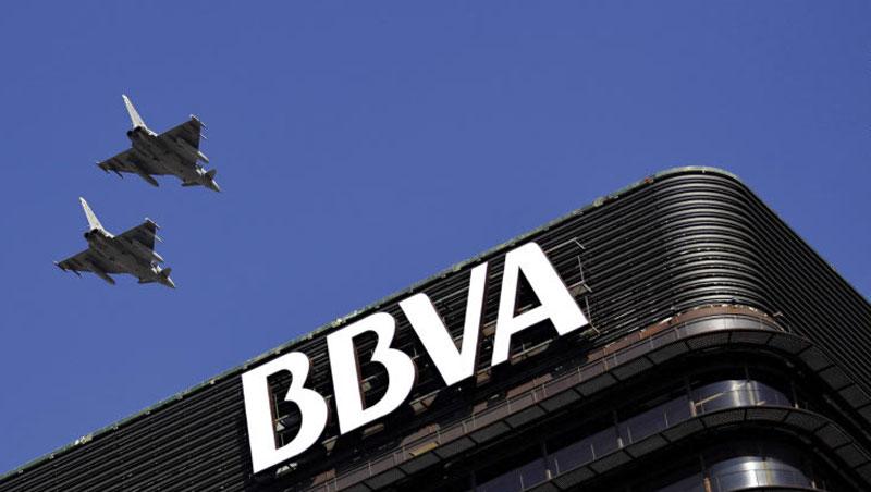 西班牙對外銀行透過API平台取得零售商營收數字,2年內,貸款給零售商業務量增加4%、違約率反而零成長。