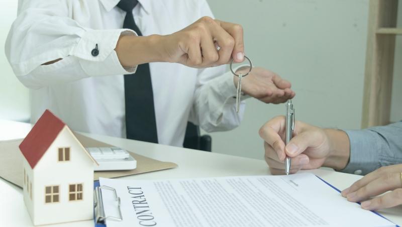 新鮮人必看》多人合租怎麼簽約?合約未滿房東就漲租金?常見糾紛自保攻略