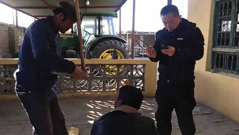 不跟鄰居來往、用電量變多...都很可疑!中國警民科技戰再升級,揭秘最新「作戰App」