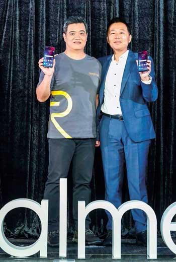 從Oppo內部出來創子品牌,Realme台灣市場商務長鍾湘偉(左)要用「小而美」路線搶攻年輕人口袋。