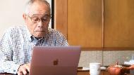 活著不想麻煩人,死後不想成包袱!日本掀「生前整理」潮流,70歲爺奶用App月賺萬元