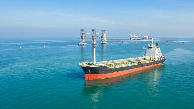 5個問題看懂中油油輪遇襲》石油腦是什麼?荷莫茲海峽有多重要?