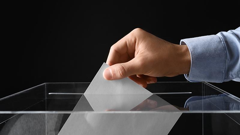 公投法修正三讀 脫鉤明年大選