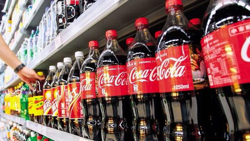 全球飲料霸主可口可樂,2030年將以50%的再生原料製作寶特瓶。