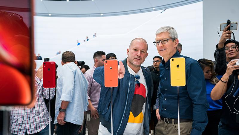 他離職,蘋果市值蒸發2700億!iPhone到AirPods設計都靠他...5個問題認識傳奇設計師