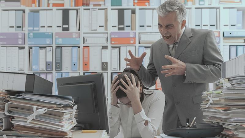 會影響升遷的4件事》老闆在意,但不會告訴你:穿衣不得體、常常擺委屈表情