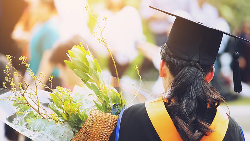 哈佛商學院,申請人數14年來最大降幅!MBA「高薪通行證」光環,為何褪色?