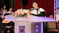 打錯標點符號被大罵,卻影響他一生...29歲當畢業致詞嘉賓的他:許多小人都是貴人偽裝