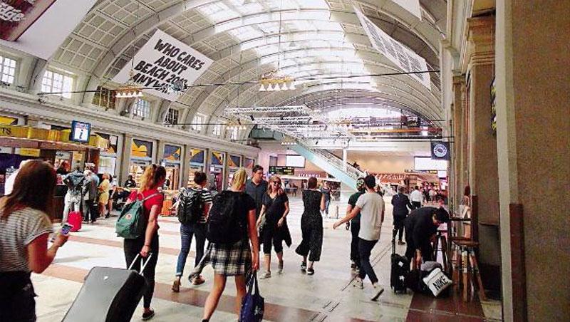 去年,歐洲氣候行動網絡組織公布,瑞典是最致力對抗氣候變遷第1名,動員拒飛、改乘火車的倡議相對有效率。