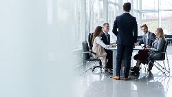 燦坤業外大虧,創辦人退出經營...程天縱觀察:家族企業轉型升級,最大的難題