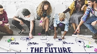 過去國小畢業就能進中鋼,如今學生當網紅月入6位數!時代給上班族的啟示