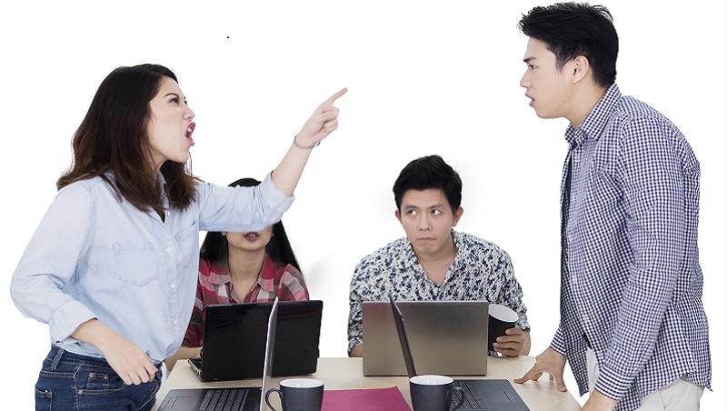 框架效應》開會討論議題發散、不同部門成員互相指責,怎麼辦?