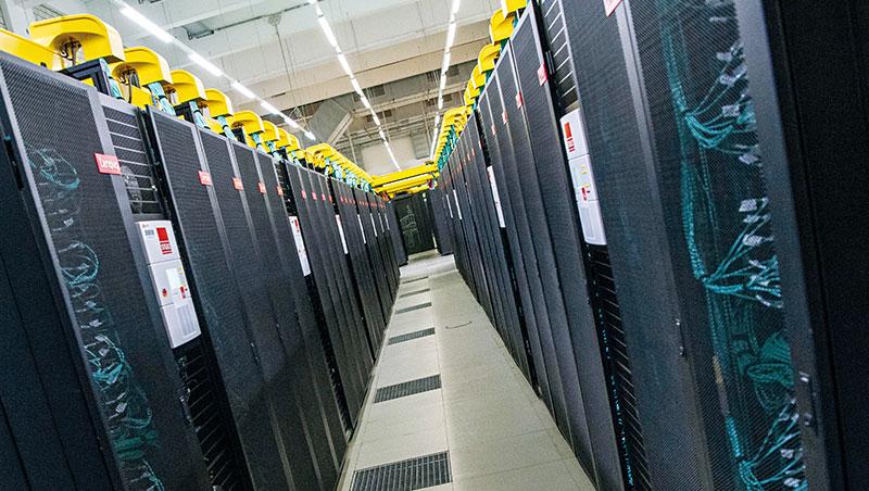 今年6月公告最新全球前500大超級電腦排行,美國位居1、2名,中國位列3、4名。
