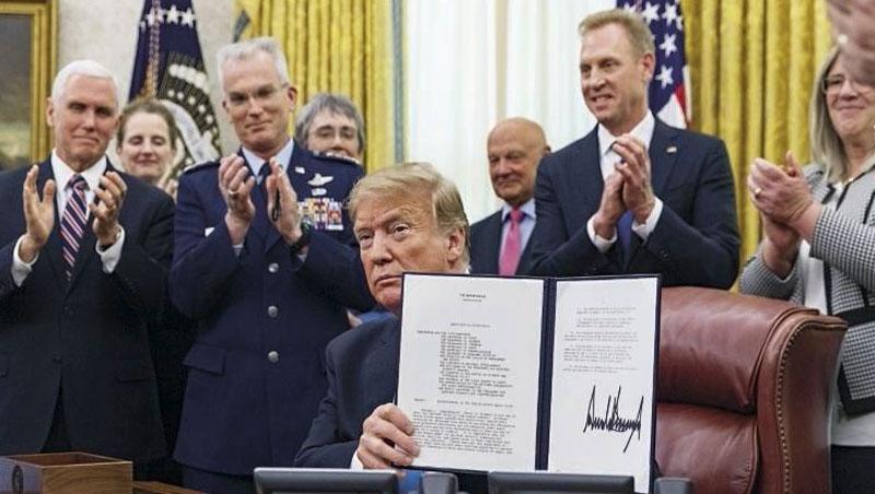 川普今年2月簽署命令成立太空軍種。除了中、俄、日,法國7月中也甫宣布加入太空建軍行列。