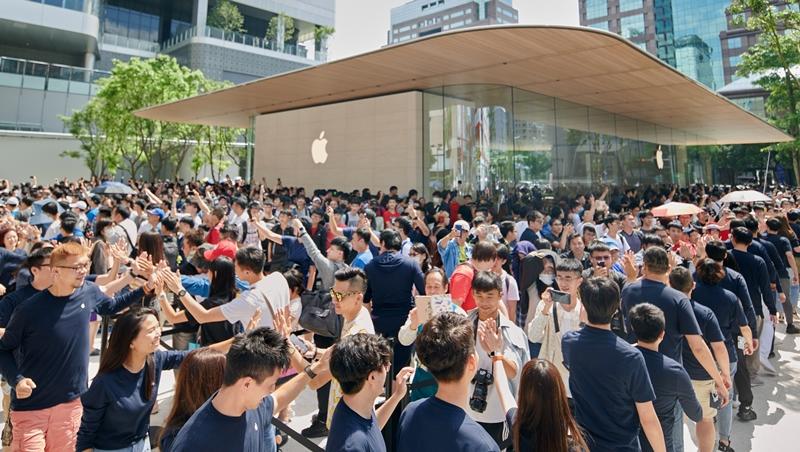 靠細節,蘋果把自己打造成信仰》不打折、不促銷,Apple Store用7個方法讓果粉一直買