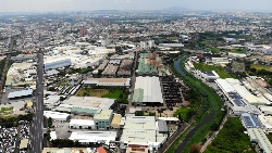 為什麼不把農地工廠遷到工業區就好?從產業冠軍的發展,看工廠管理難題