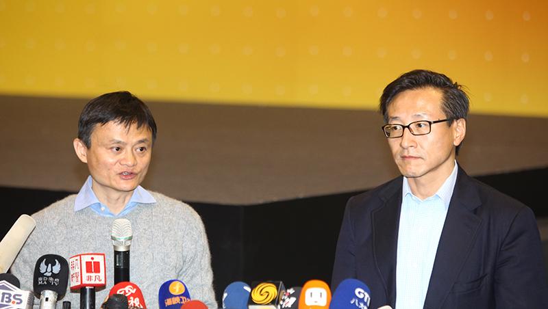 首位NBA台灣老闆》大學校隊坐足冷板凳,蔡崇信為何花33億美元買球隊?