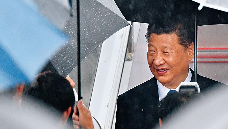 「中美合則兩利,鬥則俱傷。」習近平如此定位貿易戰。在中國經濟趨緩之際,人民幣破7成為救出口手段。