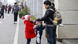 50歲父親被資遣,不願讓兒女分擔家用...洪雪珍:中年失業,家人要有這3點觀念