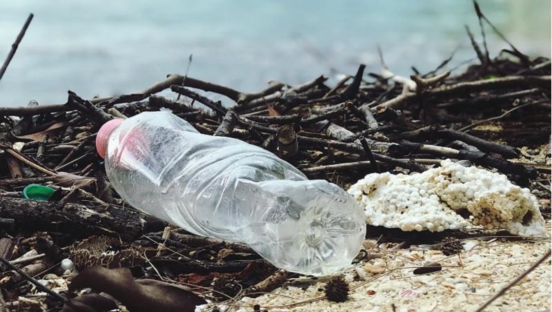正視海廢問題 世界地球日發布「塑膠污染十大真相」