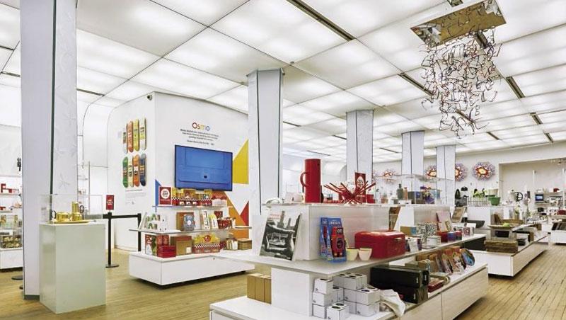 紐約MoMA設計商店如設計品博覽館,精挑細選出引領現代設計潮流的商品,是全球設計愛好者的朝聖地。