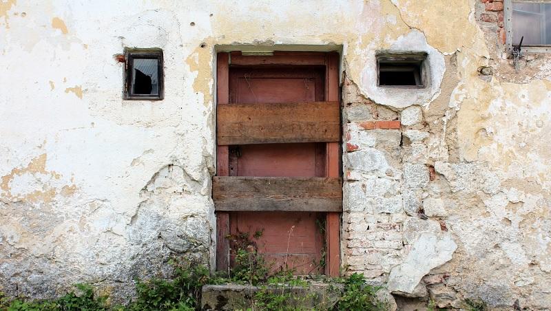 2個廁所大小、長青苔的房...賣1500萬!北京房價飆漲原因之一:小孩要「富養」