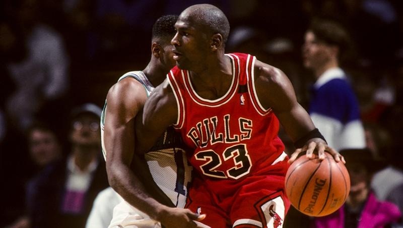 什麼是「數位轉型」?用籃球之神喬丹,一度變職棒選手為例...一次掌握8個重點