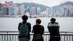 他們,拒絕開學》「香港都要沒了⋯⋯」15歲名校生淚訴,帶著被捕須知卡、串聯罷課,一夜長大