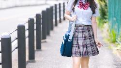升學率差的學校,制服卻很氣派?日本學生「不正經穿制服」現象的心理反射