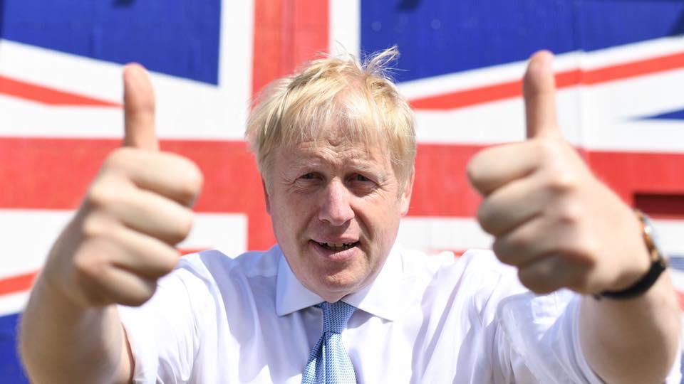 帶小女友進官邸的多情種、口無遮攔民粹主義者...認識英國怪咖首相—強森