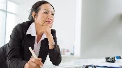 會計45歲失業,月薪25k的工作都拿不到,怎麼辦?洪雪珍:找工作不如找收入