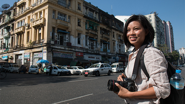 鏡頭的背後:台灣女攝影記者的緬甸長征路