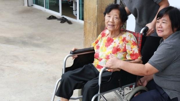 一張「外籍臨時看護1天1千」的傳單,竟會讓這個孝女面臨75萬罰鍰?!