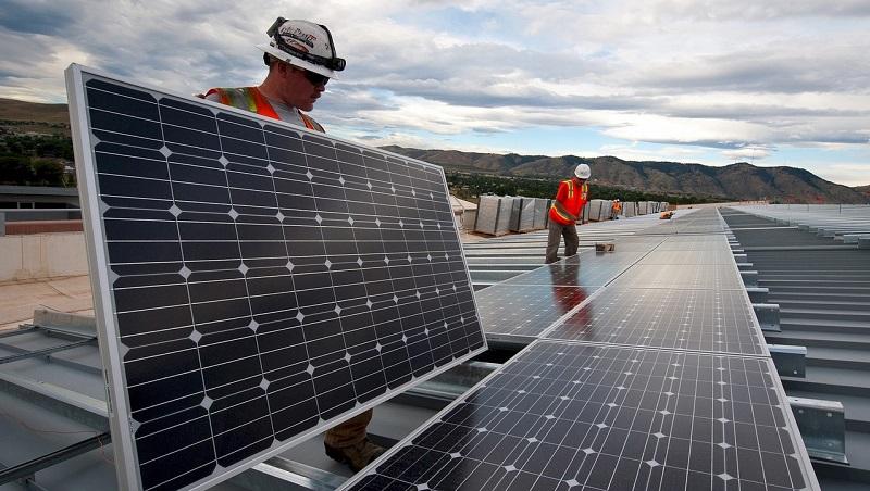 股價從283元摔到4元,「綠能」一個月後將下市!揭台灣太陽能產業的困境